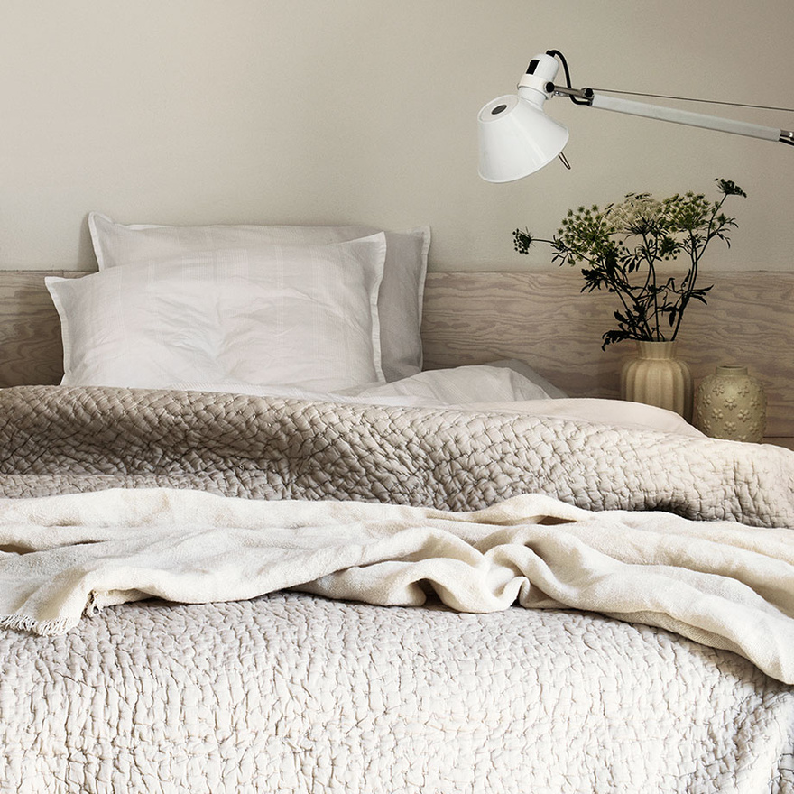 quilt talk home blog what bedspread the difference sulekha comforter duvet is