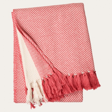 lecce-throw-coral-red