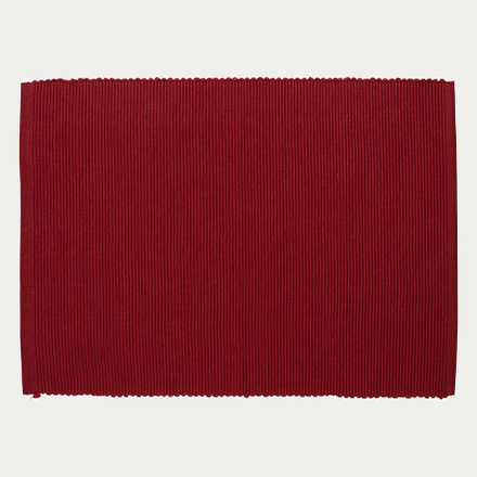lind-placemat-dark-red