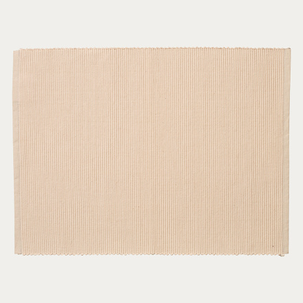 lind-placemat-creamy-beige